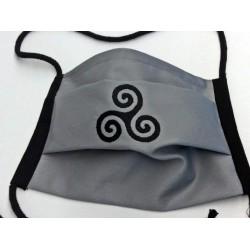 Alltagsmaske Triskele Bestickt